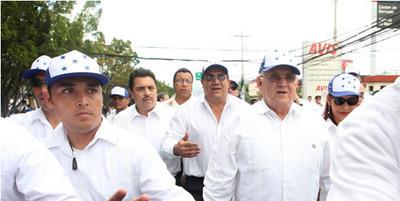 President Roberto Micheletti Bain röstade strax före 9 lokal tid.