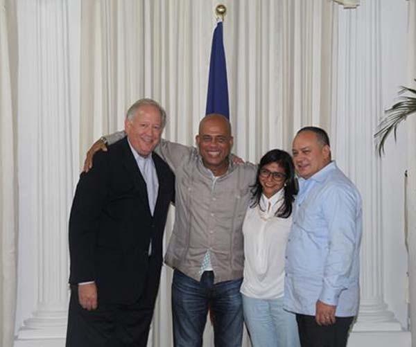 Thomas Shannon, el presidente de Haití Michell Martelli, canciller venezolana Delcy Rodríguez, y Diosdado Cabello, en Haití